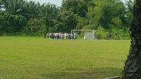 pelajar SMU ngumpul di Lapangan