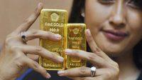 Harga Emas Turun ke 1726 Dolar AS