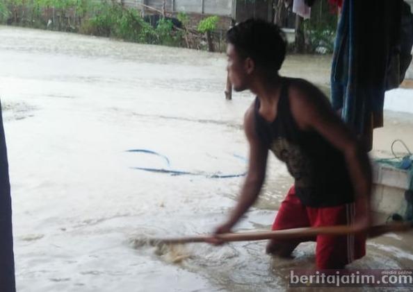 Banjir Bandang di Gondang, Satu Orang Hilang, Enam Rumah Terdampak