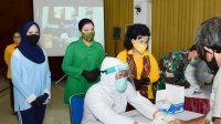 Lindungi Diri dan Keluarga dari Covid-19, Dharma Pertiwi-OASE Kabinet Kerja Lakukan Rapid Tes