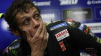 Valentino Rossi Bakal 'Gantung Helm'