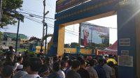 Wajib Pajak Kendaraan Bermotor Dipaksa 'Berjemur' di Kantor Samsat Medan Utara