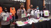 Polisi Ringkus 6 Orang Sindikat Pembuat Materai Palsu